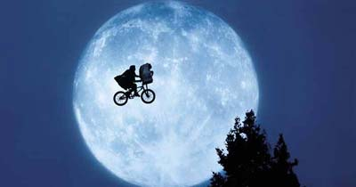 Scene from the 1982 science fiction film E.T. the Extra-Terrestrial (Image: Wikimedia Commons)