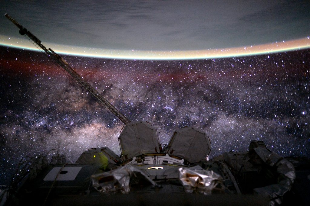 Earth and the Milky Way as photographed by astronaut Scott Kelly on 9 August 2015 from the International Space Station (Image: NASA/ Scott Kelly)